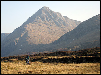 On the ride out from Carn Ban, with one of the better routes up Seana Bhraigh in the background