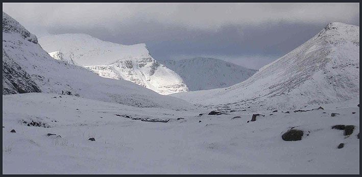 The view towards Aonach Beag, with Binnean Beag to the right