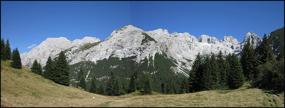 The view towards the central Brenta Dolomites from Passo Bregn del Ors