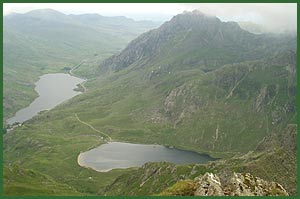 The view from Y Garn towards Llyn Idwal and Llyn Ogwen, with Tryfan